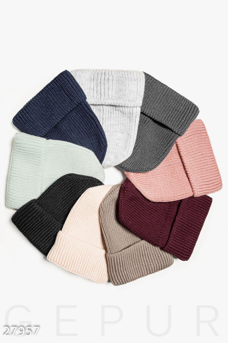 Зимняя вязаная шапка с отворотом и флиовой подкладкой белая