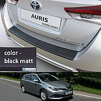 Toyota Auris Touring Sports 2015> пластиковая накладка заднего бампера, фото 1