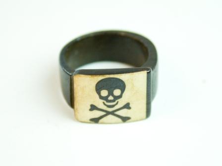 Перстень Перстень Yakbone / Веселый Роджер 0.0 x 0.0 x 0.0 см