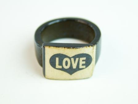 Перстень Перстень Yakbone / Love 0.0 x 0.0 x 0.0 см