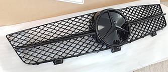 Решетка радиатора Mercedes CLS W219 рестайл стиль AMG (черный глянц + черная звезда)
