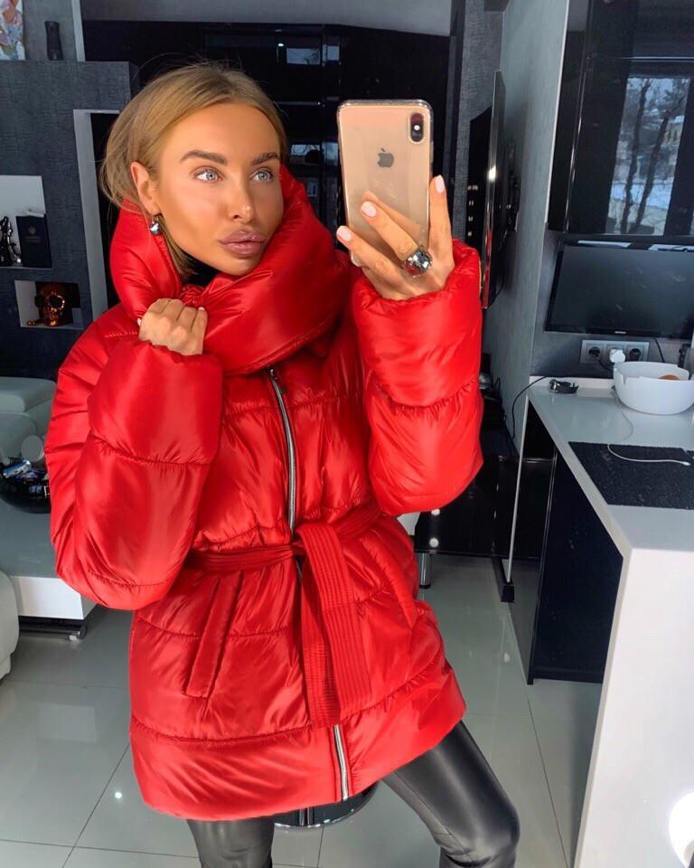 Объемная женская зимняя куртка с воротником-стойкой 18kr174