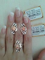 Срібний гарнітур Листочки із золотими вставками каблучка та сережки з маленькими фіанітами