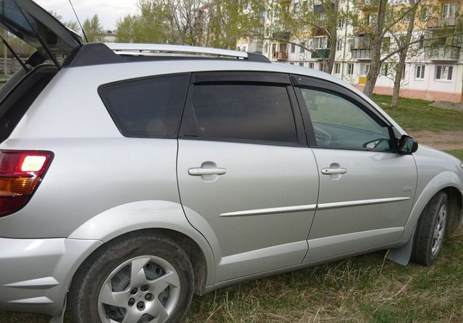 Дефлекторы окон (ветровики) Pontiac Vibe I 2001/Toyota Matrix 2001