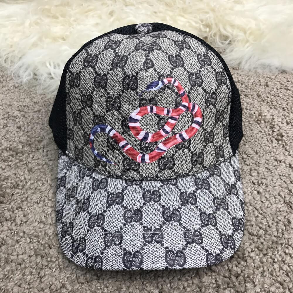 d0457acbbf4 Кепка бейсболка в стиле Gucci Kingsnake Print GG Supreme Baseball Hat -  Интернет-магазин