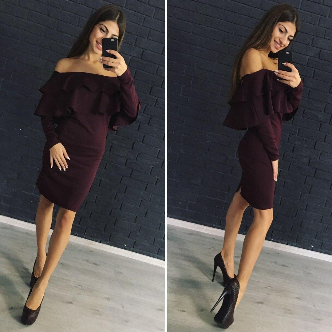 Платье женское с воланами цвет марсала м,л дайвинг