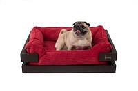 Лежак с деревянным каркасом коричневого цвета и вельветовой красной лежанкой Dreamer Brown + Red Velvet