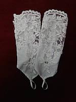Детские перчатки белые с гипюром