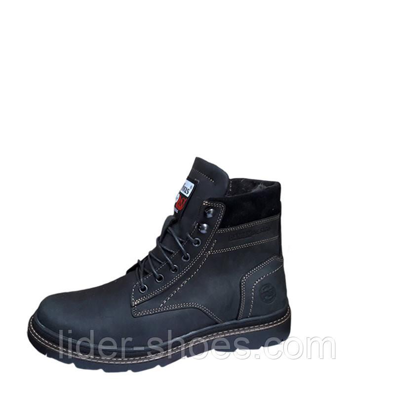 Зимние мужские ботинки черного цвета