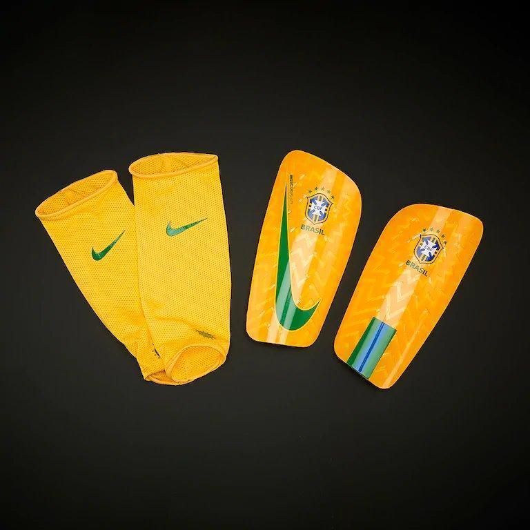 Футбольные щитки Nike Brasil CBF Mercurial Lite
