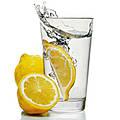 12 причин, почему стоит начать день со стакана  воды с лимоном