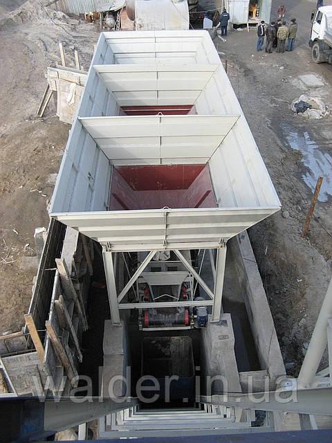 Рядный бункер для инертных материалов