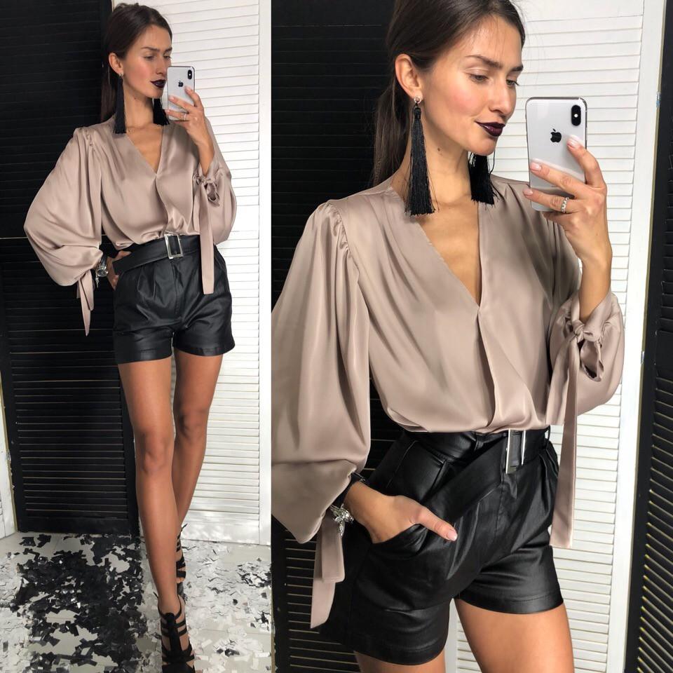 f611dcc5275 Костюм стильный блуза шелк Армани на запах и шорты эко кожа Dld1258 ...