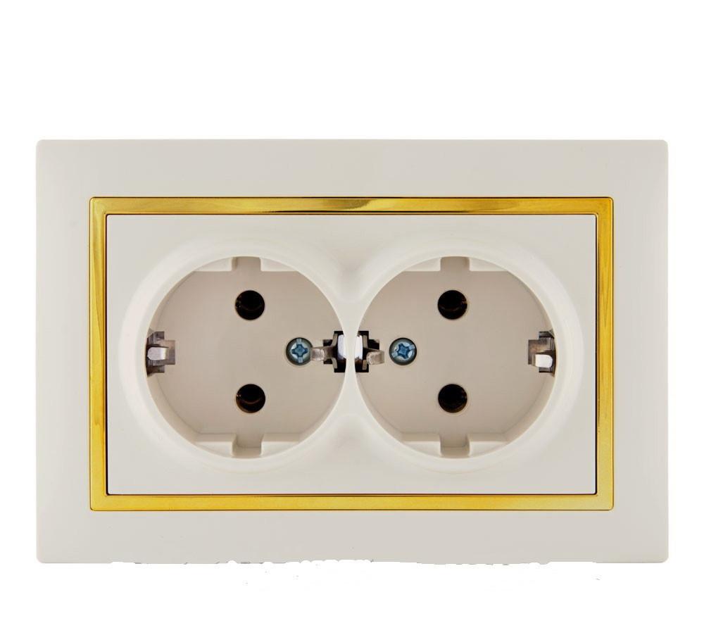 Розетка с заземлением двойная (с рамкой) LXL Tesla крем/золотой