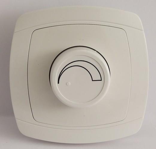 Светорегулятор 800 Вт LXL Beta белый