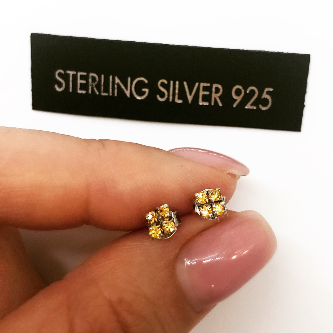 Серьги гвоздики из серебра Мої прикраси золотые цирконы