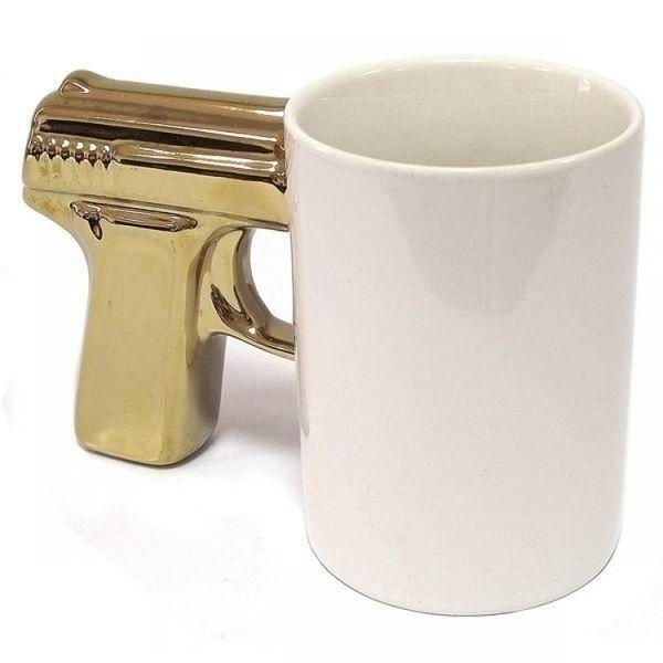 Podarki Чашка Пистолет белая с золотой ручкой