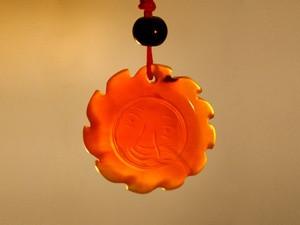Кулон сердоликовый солнце .