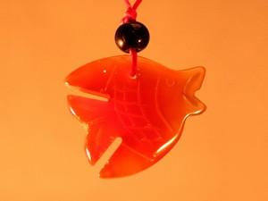 Кулон сердоликовый рыбка