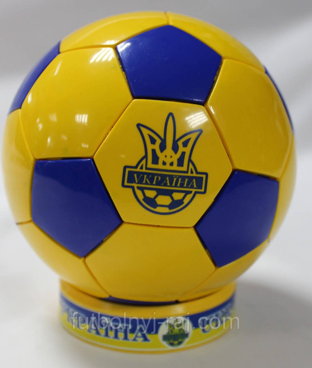 Сувенирный настольный футбольный мяч с символикой Сборной Украины