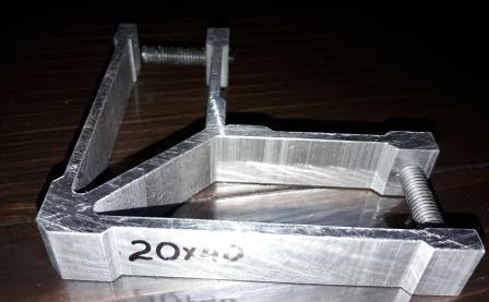 Стык угловой для трубы прямоугольной 40х20 мм