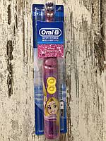 """Детская электрическая зубная щётка  Oral-B """"Принцесса Рапунцель"""""""