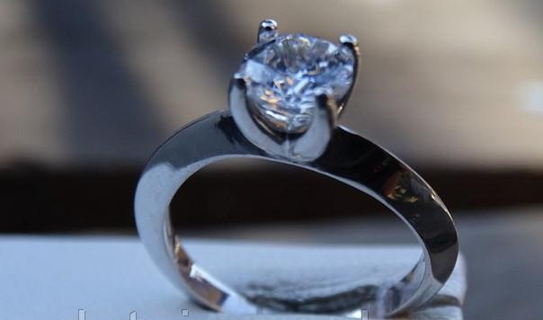 Серебряное женское кольцо с куб. цирконием