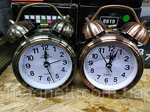 Годинник - будильник у старовинному стилі (2 кольори)
