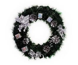 Рождественский венок 40 см украшенный серебристый с ангелочком
