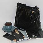 Лаковая классическая вместительная чорная сумка  Лакова класична вмістка чорна сумка , фото 3