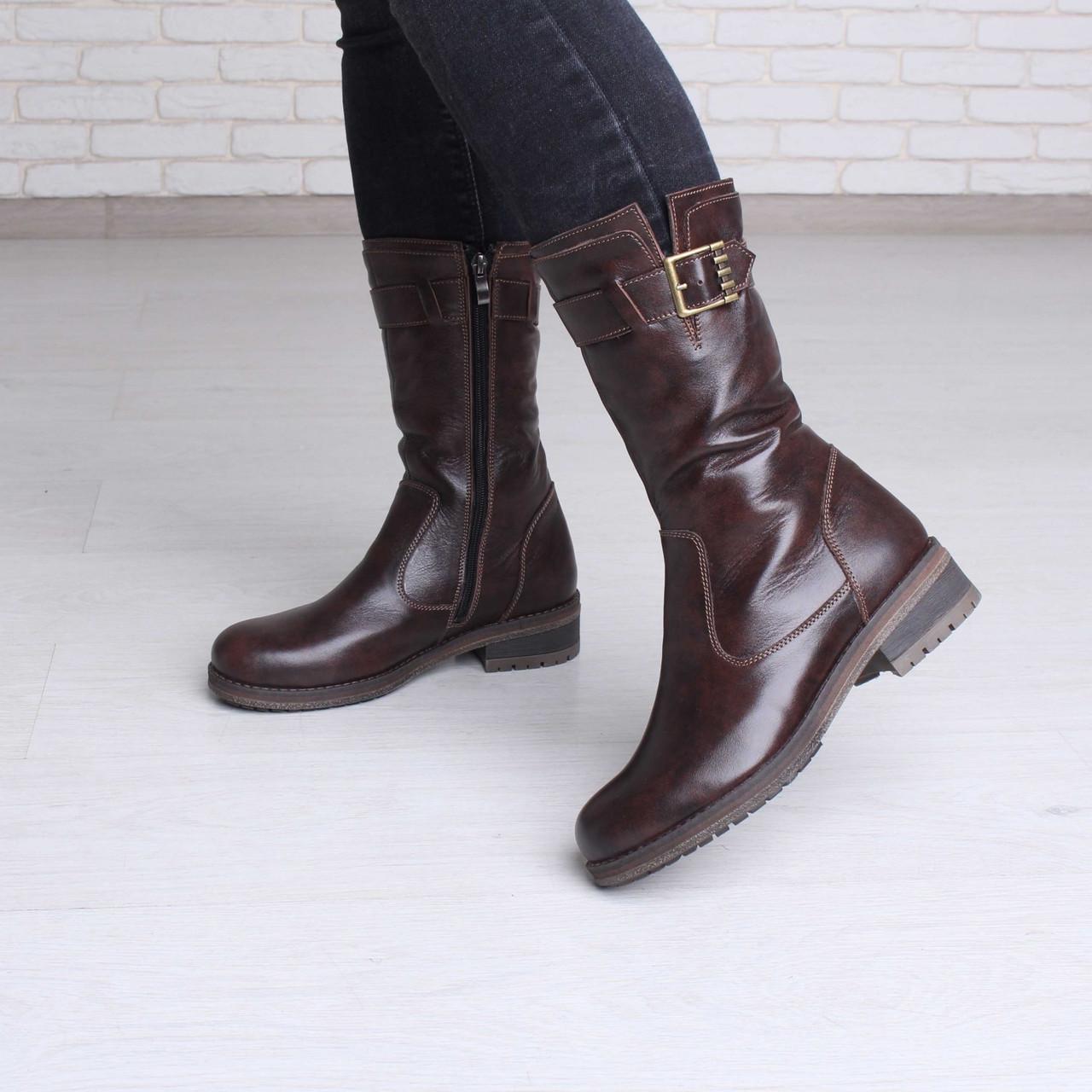 Зимние женские кожаные сапоги на низком ходу коричневые, цена 1 555 ... 9fe521adf5b