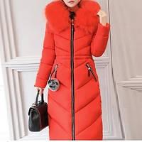 Зимнее пальто - парка с искусственным мехом красного цвета, фото 1