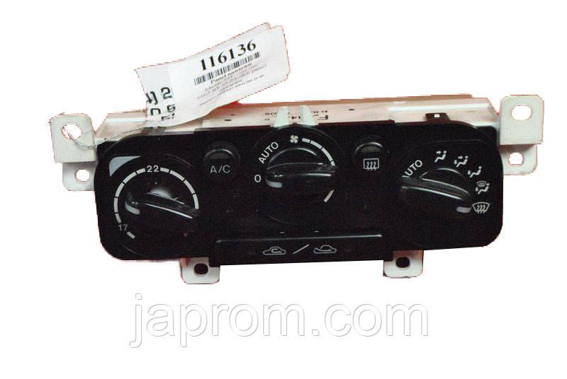 Блок управления печкой (отопителем) климат контролем Mazda 323 BJ