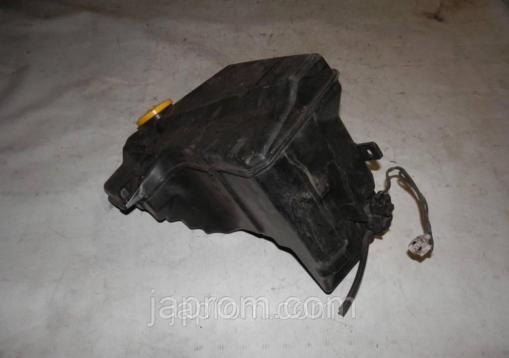 Бачок омывателя Mazda 6 GG GY 2002-2007г.в