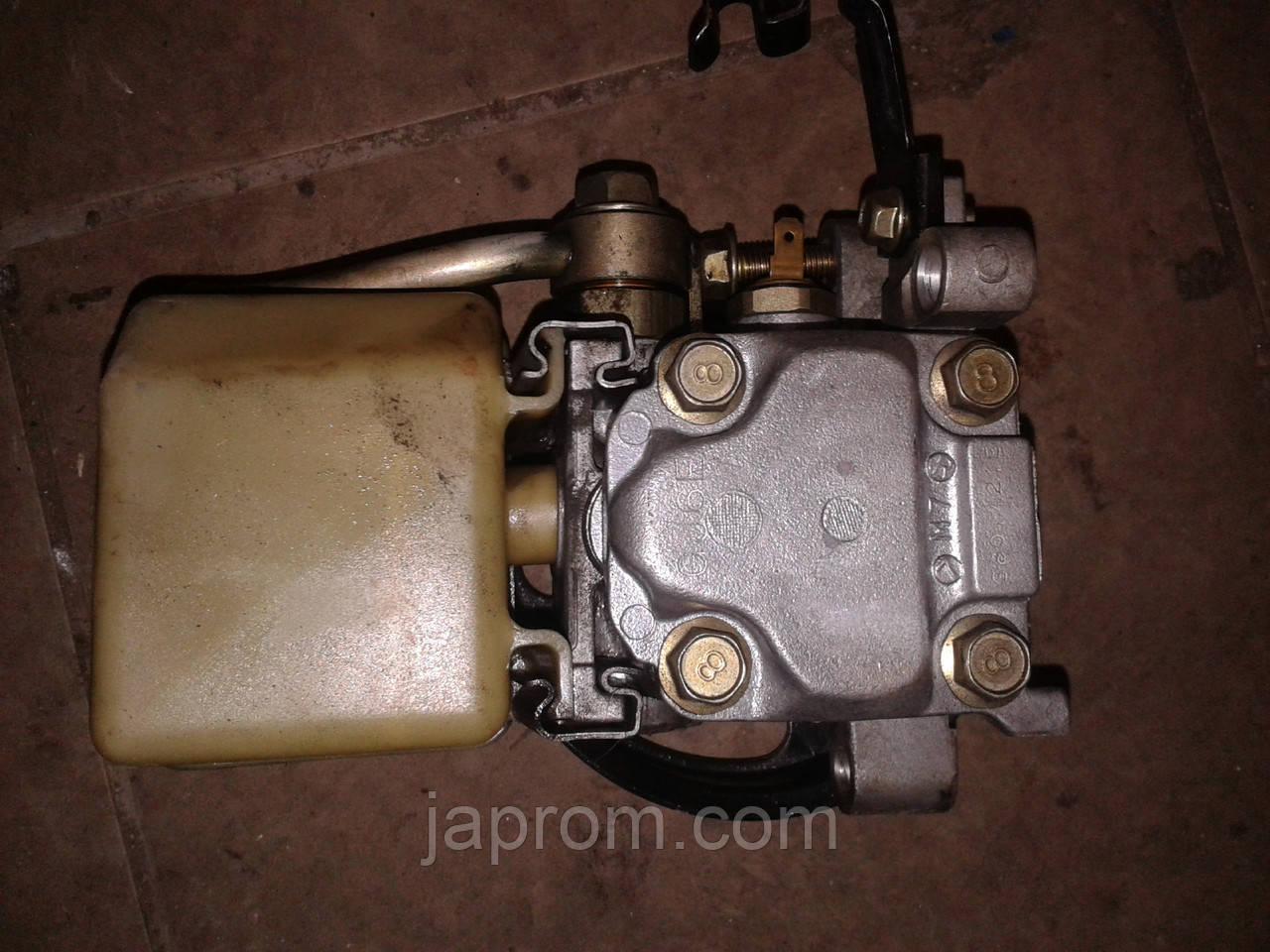 Насос гидроусилителя руля Mazda 6 GG (Mazda Atenza) 2002-2007г.в. бензин