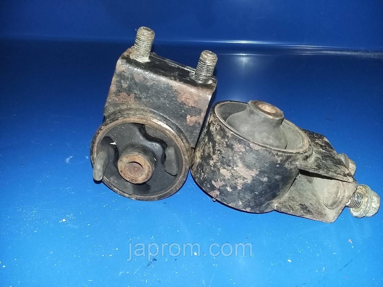 Подушка (опора) двигуна передня Mazda 626 GE Xedos 6 1992-1997-2002р.в. МКПП 2,0 бензин