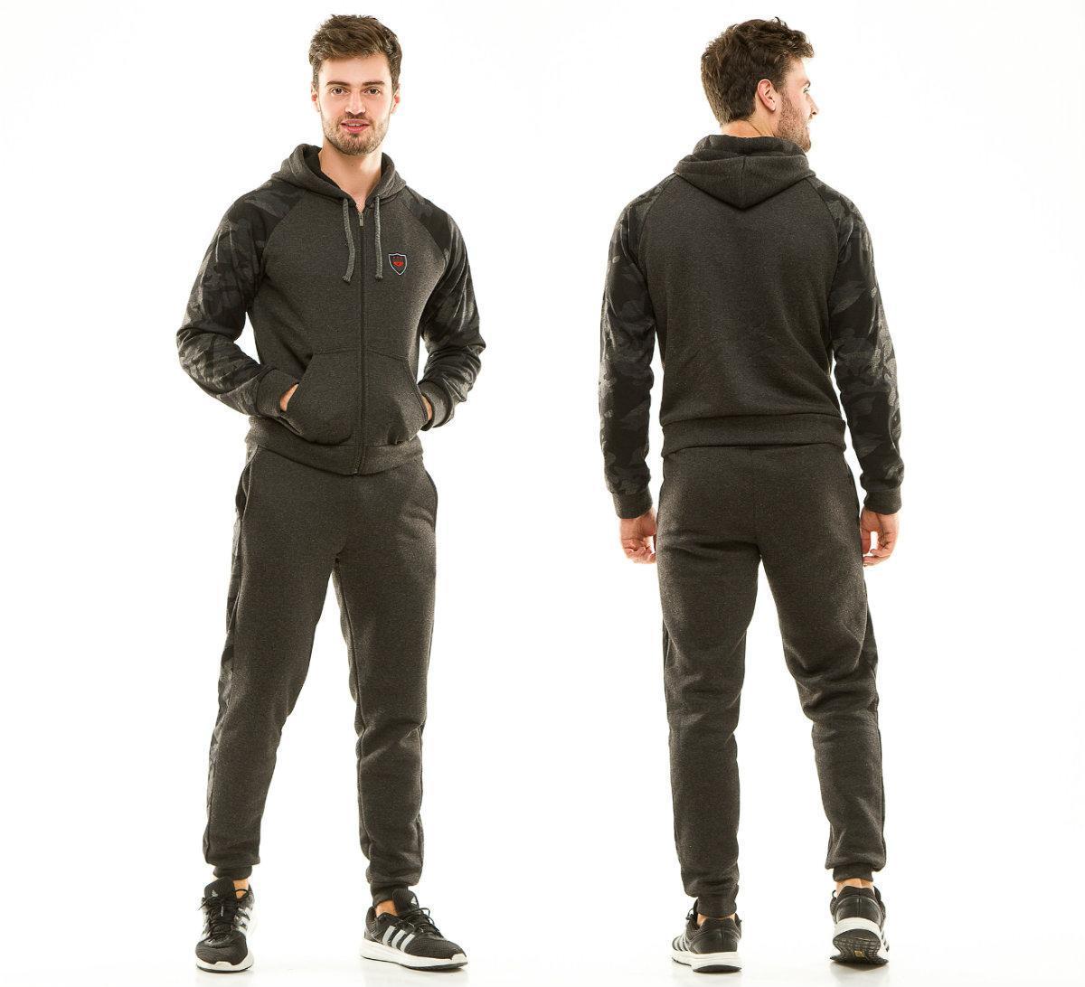 Теплый мужской спортивный костюм с начесом с капюшоном: штаны и кофта со вставками милитари камуфляж принт