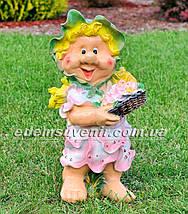 Садовая фигура Гном с фруктами, Незабудка и Синеглазка, фото 3
