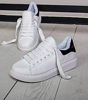 Женские зимние кроссовки Adidas Alexander McQueen Oversized Sneaker white blackFUR. Живое фото (Реплика ААА+)
