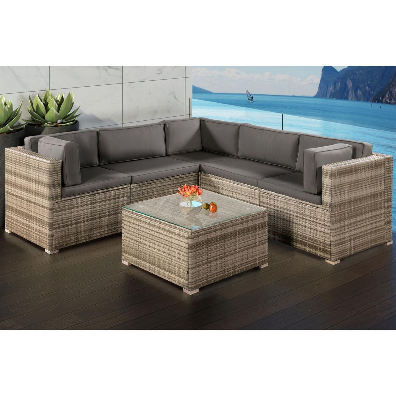 Угловой диван плетеный из ротанга, столик