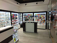 Витрины для магазина мобильных аксессуаров и телефонов. ТО-120