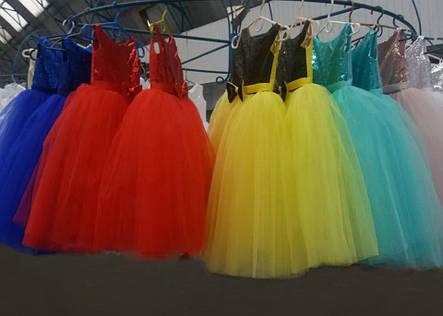 7f1b870ab77 Блестящее пышное праздничное платье на девочку 8-9 лет.  продажа ...