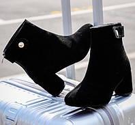 Женские черные ботинки на каблуке, фото 1
