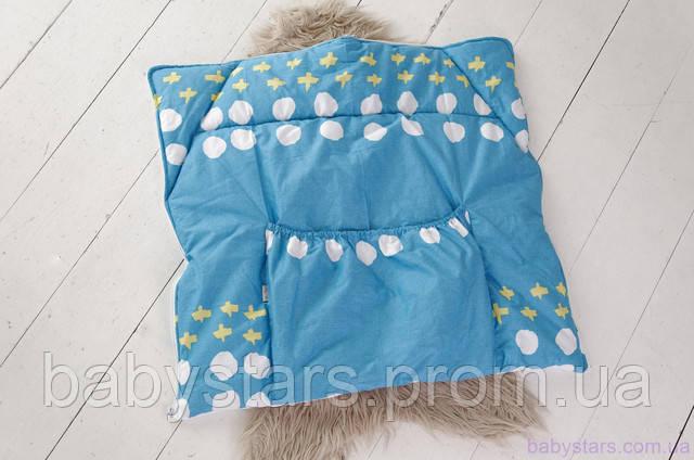 конверт-трансформер легко превращается в одеяльце для малыша