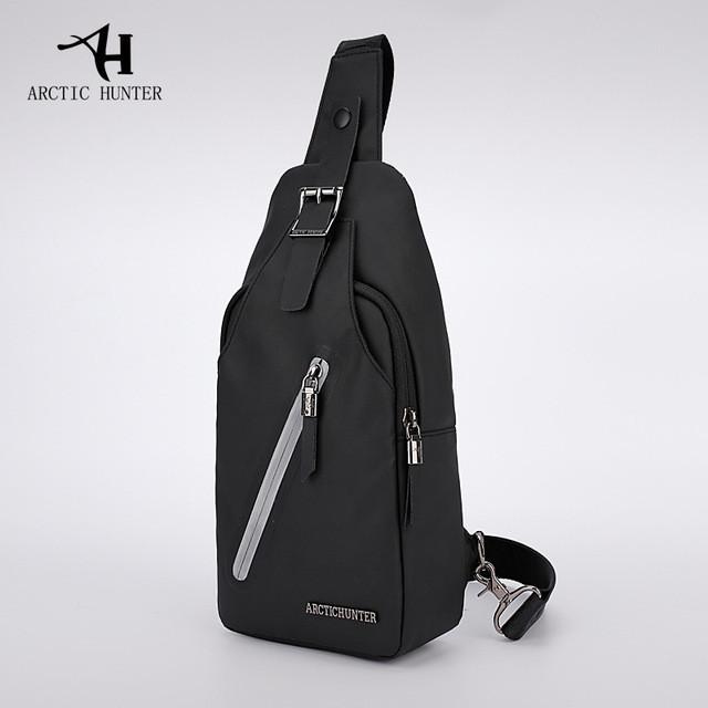 Городская сумка-рюкзак с одной лямкой через плечо и отверстием для наушников Arctic Hunter XB13006-A, 4л