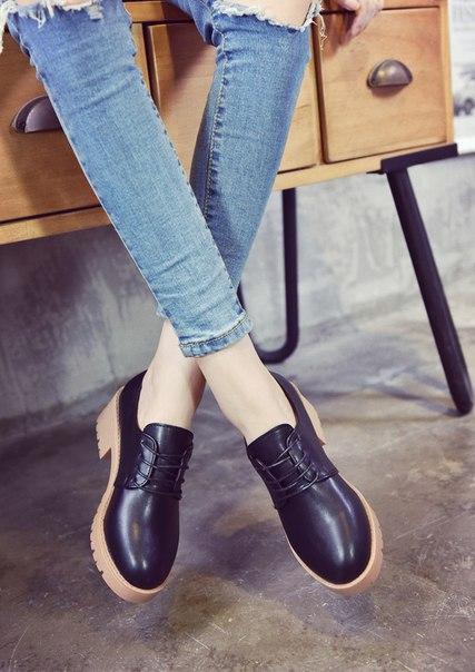 Черные женские лоферы на шнуровке