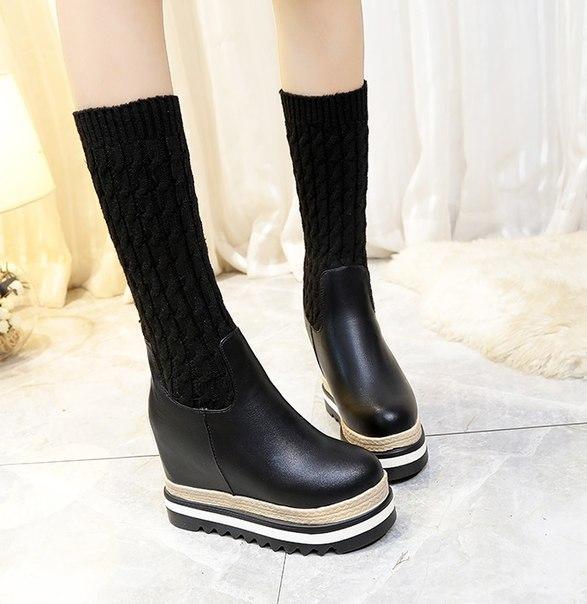 Черные ботинки на танкетке с гетрами