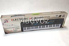Детский синтезатор музыкальный пианино с микрофоном usb 61 клавиша работа от сети, фото 2