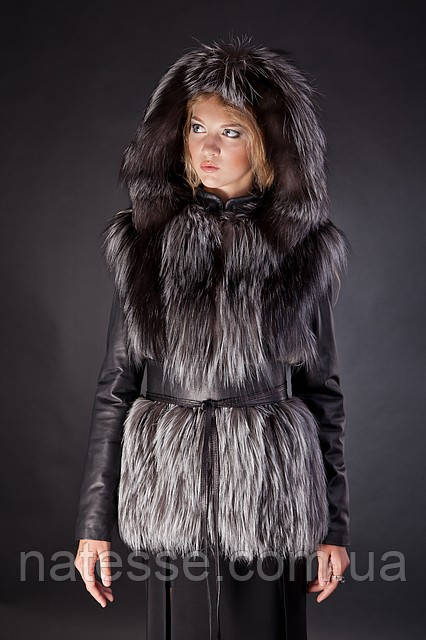 Меховая куртка-жилетка жилет из финской чернобурки со съемными кожаными рукавами и капюшоном Мод 11