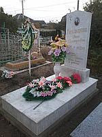 Памятник из белого мрамора 11